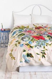 постельное белье с цветами urban outfitters