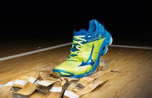 волейбольные кроссовки Mizuno