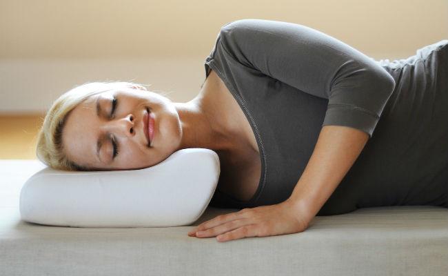 На фото форма ортопедической подушки